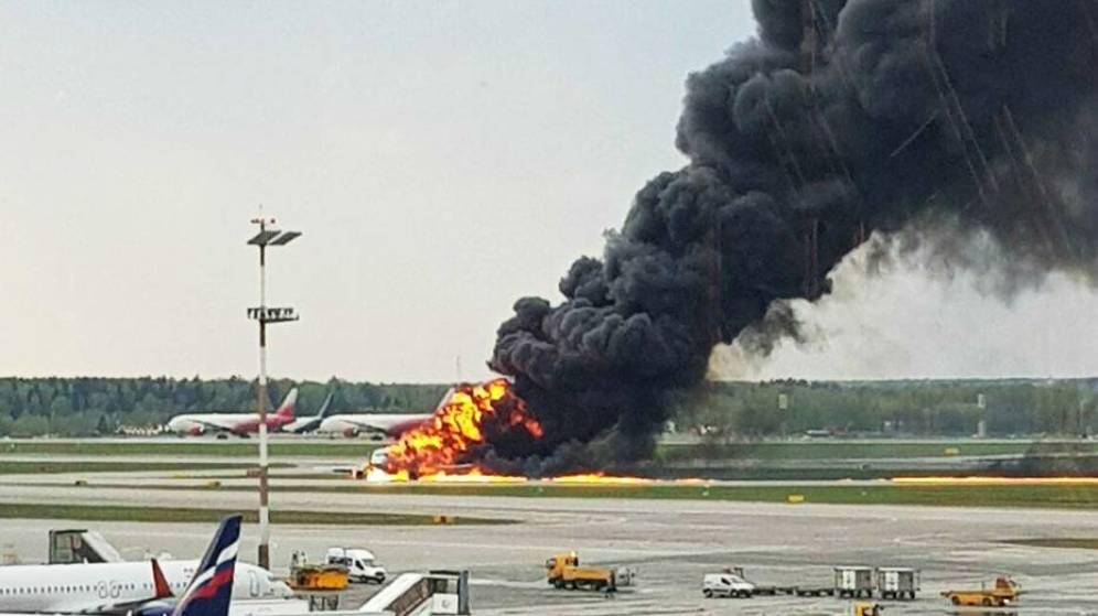 Aterrizaje de Emergencia en Moscú / 41 Muertos
