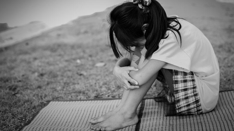 Madre ofreció a su propia hija de 7 años para que su novio la violara