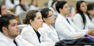 Estudiantes Residentes de Medicina recibirán 3 salarios mínimos mensuales por su servicio