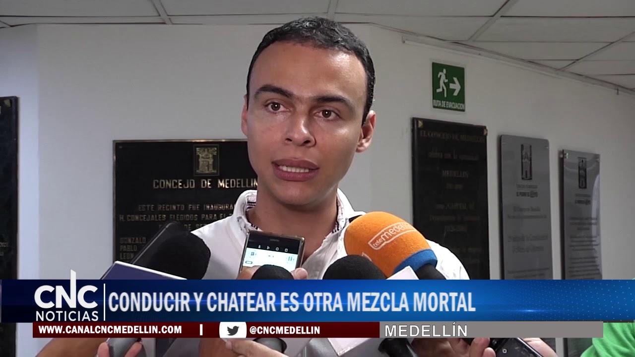 CONDUCIR Y CHATEAR ES OTRA MEZCLA MORTAL