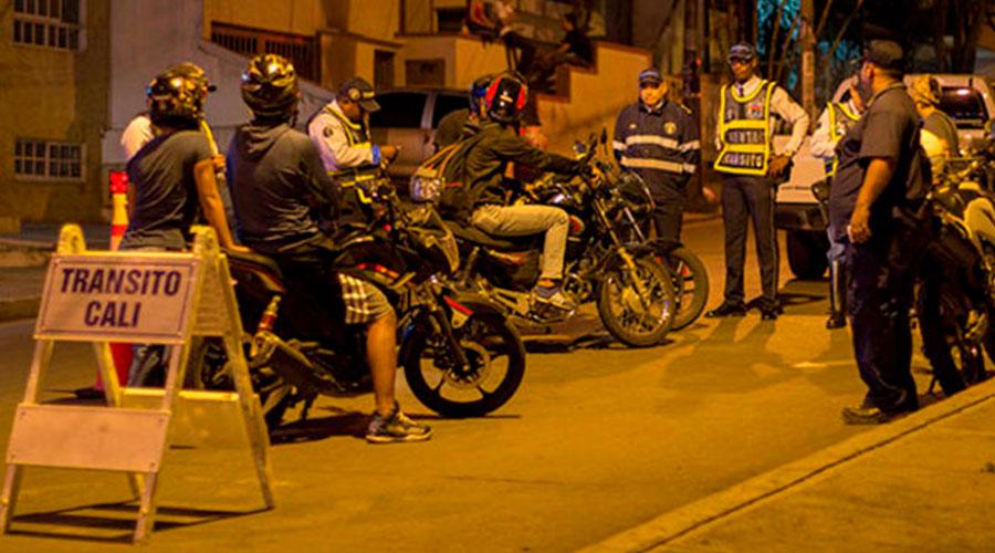 MOTOCICLISTAS NO podrán circular después de la 01:00 am en CALI