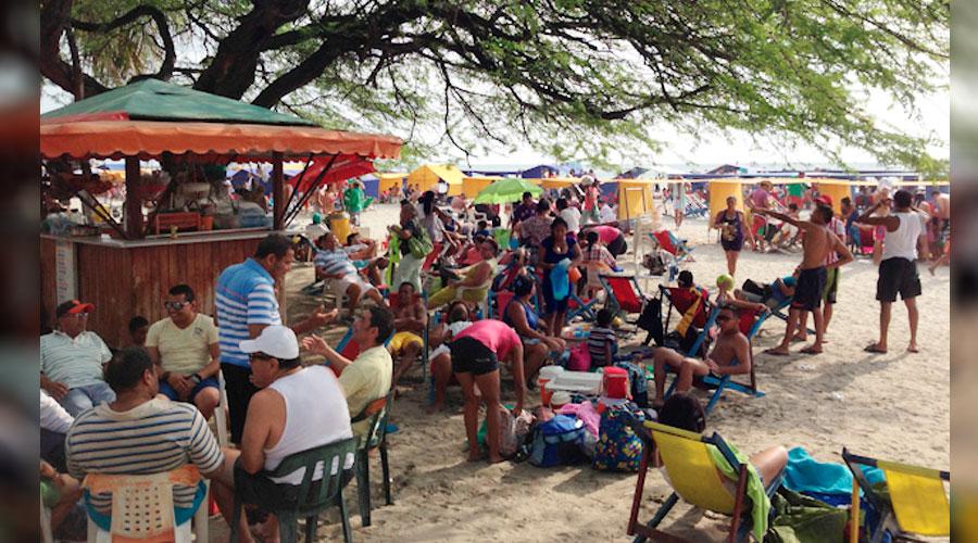Otras vez Restaurantes de El Rodadero se toman las playas ilegalmente