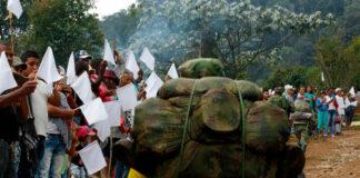 """""""Nuestro compromiso es la paz, a la guerra nunca más"""": desmovilizados de las FARC"""