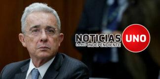 Álvaro Uribe habría anticipado el cierre de Noticias Uno a través de twitter