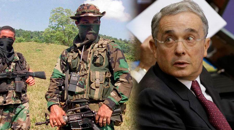 Abogados de exparamilitares y un periodista declaran en la Corte Suprema contra URIBE