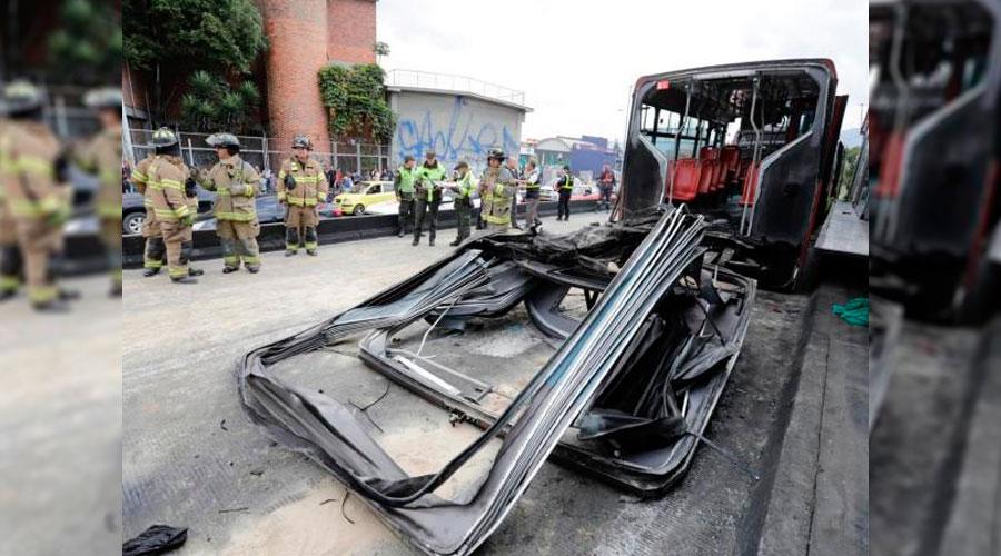 TransMilenio se partió en dos tras choque en La Alquería