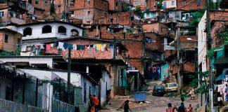 191 millones de LATINOS están en la pobreza, tal vez eso EXPLICA porque hay BROTES en TODO el CONTINENTE