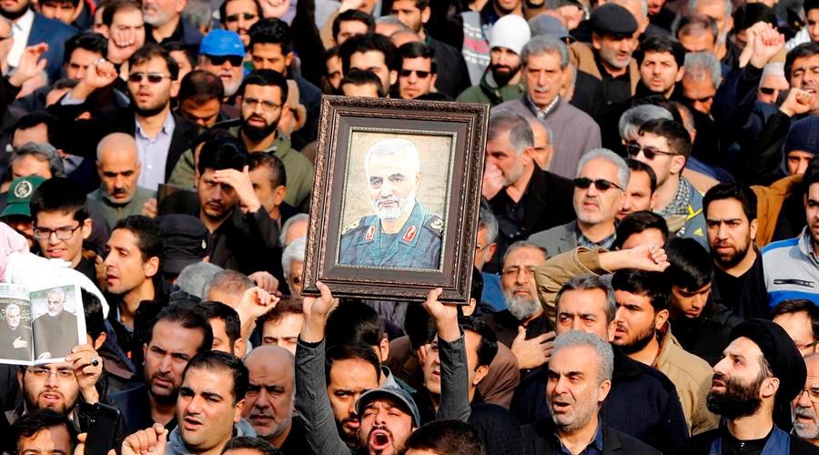 Más de 30 MUERTOS en una estampida durante FUNERAL de Soleimaní en Irán