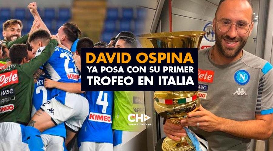 David Ospina ya posa con su primer trofeo en Italia