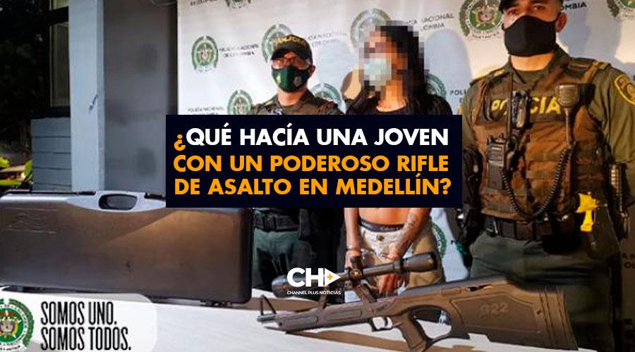 ¿Qué hacía una Joven con un poderoso rifle de asalto en Medellín?