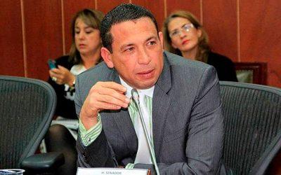 El CUESTIONADO senador Laureano Acuña terminó de presidente de la Comisión de Ética