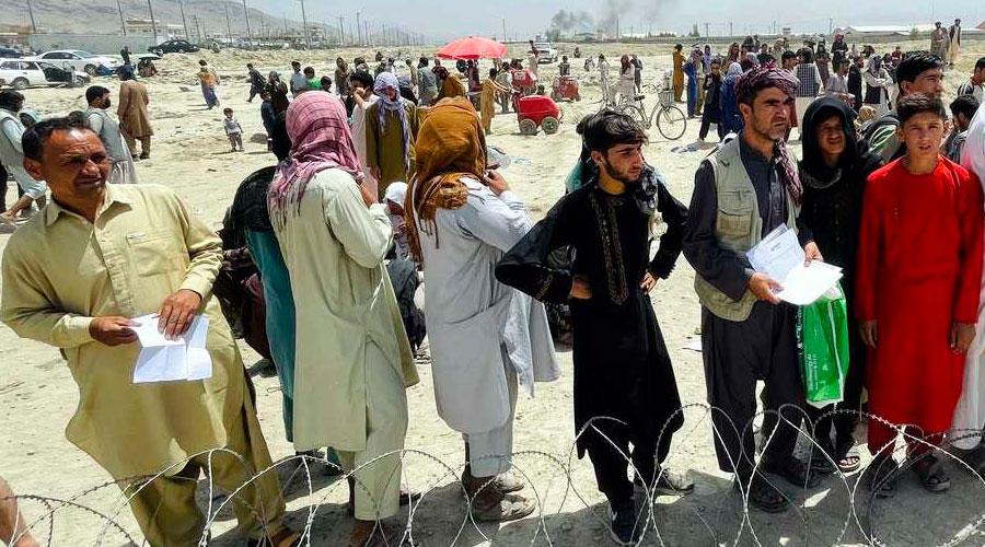 Talibanes prohíben a los Afganos salir del país