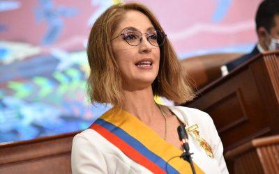 Jennifer Arias: La DURA de la Cámara