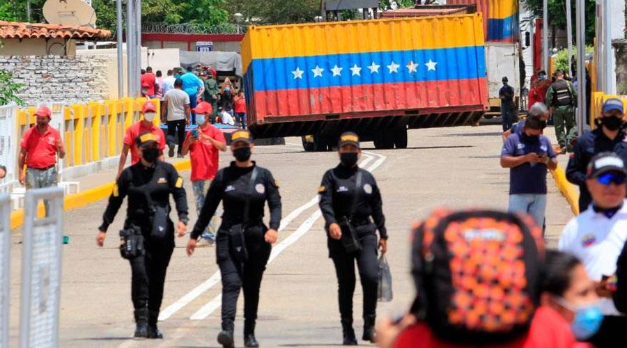 MADURO REABRE LA FRONTERA CON COLOMBIA